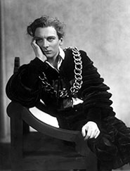 John Gielgud, Hamlet, London Old Vic 1929/30 season. Photographer: Bertram Park and Yvonne Gregory